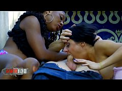 Hot interacial outdoor threesome with good squirting