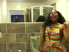 Clip sex Ebony chick in white fishnet stockings pissing in the toilet and filming