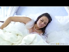 Clip sex Brazzers - Cheating bride Simony Diamond loves anal