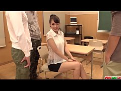 Clip sex Yui Oba gets fresh cock to bang her pussy and ass  - More at Japanesemamas com
