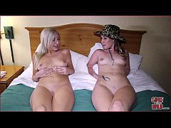 Clip sex GIRLS GONE WILD - Young Lesbian College Girls Help Each Other Climax