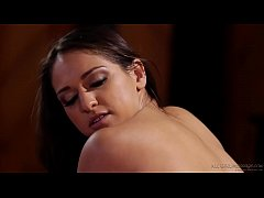 Latina massage ends with squirting - Sara Luvv,...