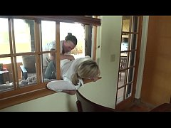 Mom gets help from sons being stuck in window
