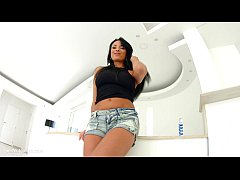Asstraffic Huge natural breasts beauty takes a ...