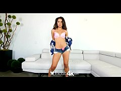Exotic4K - Sexy Latina Gabriella shows how to s...