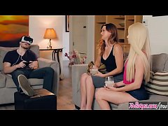 Clip sex Mom Knows Best - (Elsa Jean, Karlie Montana) - The Real Deal - Twistys