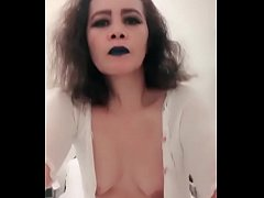 Clip sex Super Pinay loves to play and have doggystyled
