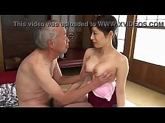 Phim sex Old man gets to enjoy japanese milfs titties