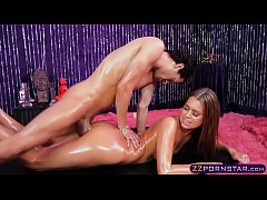 Oiled up special massage end in a nice quickie fuck