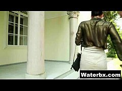 Hot Teen Doing Pee Alluring Makeout