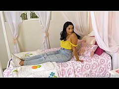 Daddy realy horny for stepdaughter