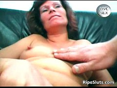 Horny mature brunette gets wet pussy