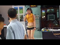 Clip sex Vietnam Sexy girl dancing at Wedding