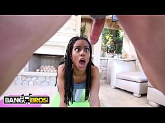 Clip sex BANGBROS - Black Yoga Newbie Kira Noir Gets Fucked By Pervy Instructor