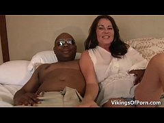 MILF Bella Roxxx Got Nutted With a Big Black COck