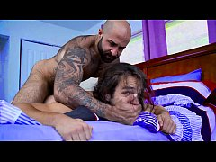Clip sex Fucked roughly by his hairy stepdad - gay porn