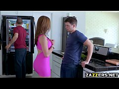 Clip sex Kendra Lust swallows Alex Ds big cock in the kitchen