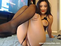 Clip sex Korean girl in sexy lingerie show pussy on cam - http:\/\/sexcambeauties.com