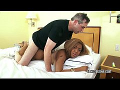 Busty swinger Cocoa gets her ebony pussy pounde...