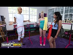 Clip sex BANGBROS - Vlad The Impaler Meddles With Melody Parker's Tight Teen Pussy