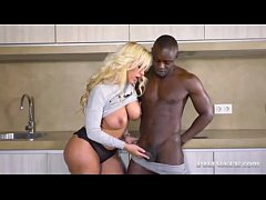Mature blonde fucks with the black man