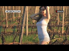 Venus showing her body and tits on the vineyard - XCZECH.com
