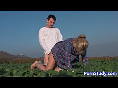 Amateur eurobabe fucked in farm field