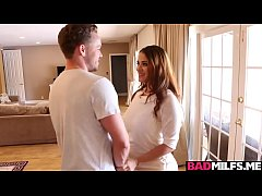 Clip sex Miss Raquel enjoys banging with Penelope and bf