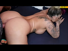 Amateur pov with tattooed busty milf
