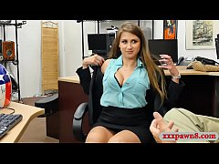 Gorgeous woman screwed by pawnshop owner in his...