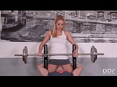 Fitness slut Nikky Dream...