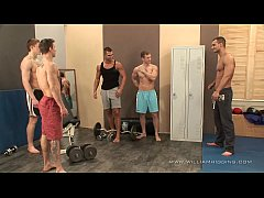 5 muscle guys fuck fest in gym - part 1