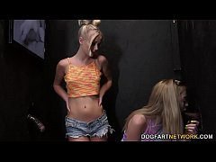 Clip sex Lexi Lore And Natalia Queen Have Fun With Big Black Cocks At A Gloryhole