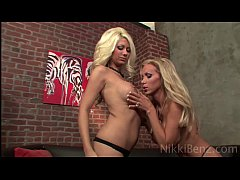 Clip sex Nikki Benz Loves Big Tit Blondes!