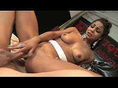 Latina chick Gulliana Alexis loves to suck big ...