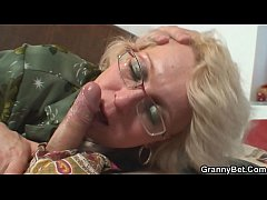 Shaved pussy grandma pleases...