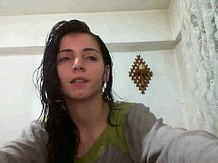hot romanian camgirl hottalicia giving a BJ in her shower