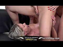 Pissing Threesome With Hot Euro Babes