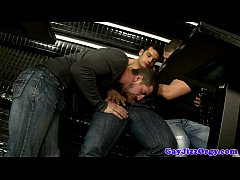 Groupsex hunks blowing on lucky guy 7