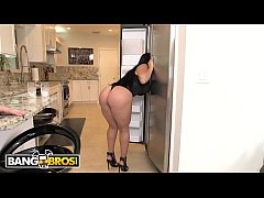 BANGBROS - Thicc PAWG Gets Fucked Hard And Aggressively On Ass Parade!