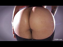 Dana Vespoli shows off...