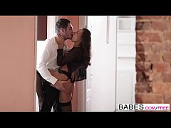 Babes - Timo Hardy and Gina Russel - Impatiens