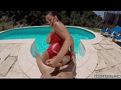 Natural MILF Gives Poolside BJ