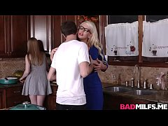 Clip sex Dolly and Alura got pounded all over the kitchen
