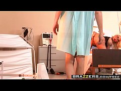 Blonde Milf Doctor (Summer Brielle) wants it inside her - BRAZZERS