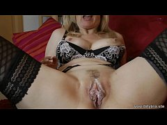 Mature Milf Tina need fresh sperm