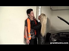 Old and rich leather dressed slut fucks the car repair guy