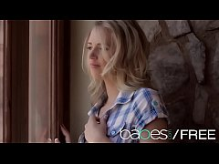 Teen blonde cowgirl (Alexa Johnson) plays solo while her mans away - BABES