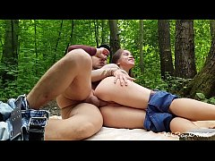 anal fucking in the Park with beautiful babe Evelina Darling .