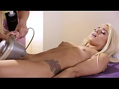 Shy Elsa Jean and her masseuse Chloe Couture